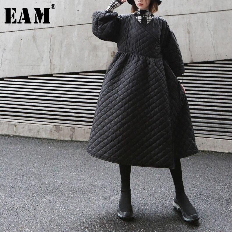 EAM 2019 New Spring Winter V collar Long Sleeve Black Loose Long Bandage Cotton padded