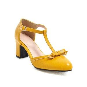 Image 2 - YMECHIC 2019 moda Lolita blok czółenka na wysokim obcasie kobiet buty żółty niebieski śliczna muszka Party Dress obcasy buty kobieta Plus rozmiar 43