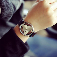 2017 Hot Sale Fashion New  Fashion  Unique Hollowed-out Triangular Dial Fashion Watch