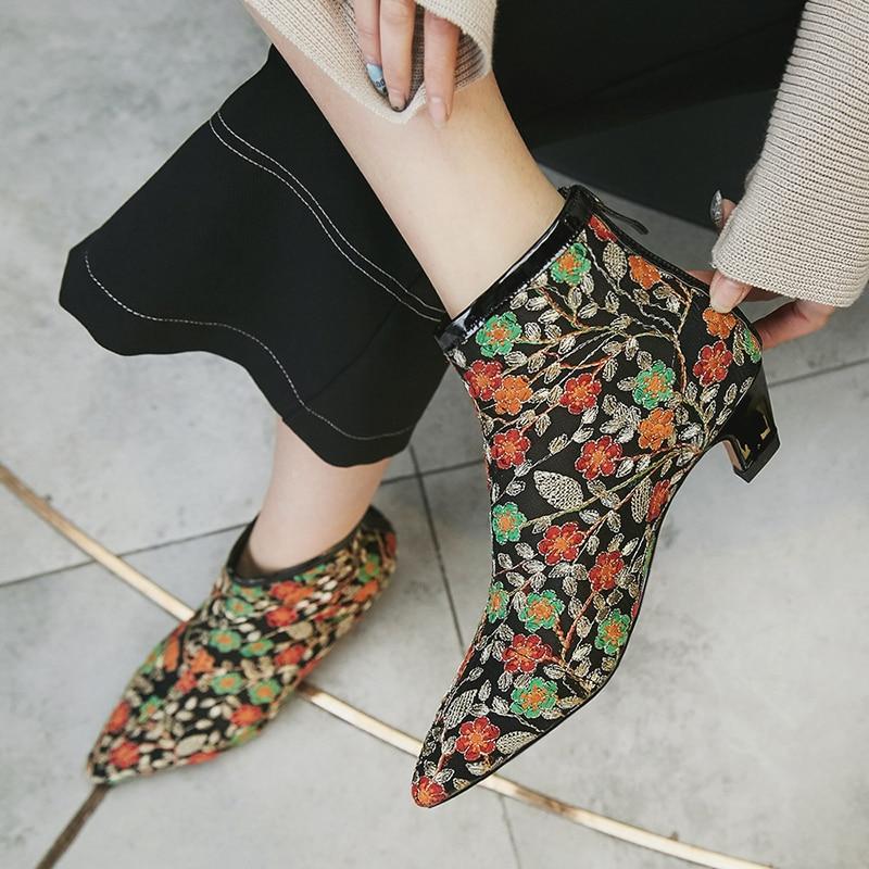المرأة شبكة التطريز زهرة الربيع تصميم جديد الكاحل الماركة أشار تو كعب منخفض الراحة ريترو فاخر قصيرة الجوارب الأحذية-في أحذية الكاحل من أحذية على  مجموعة 2
