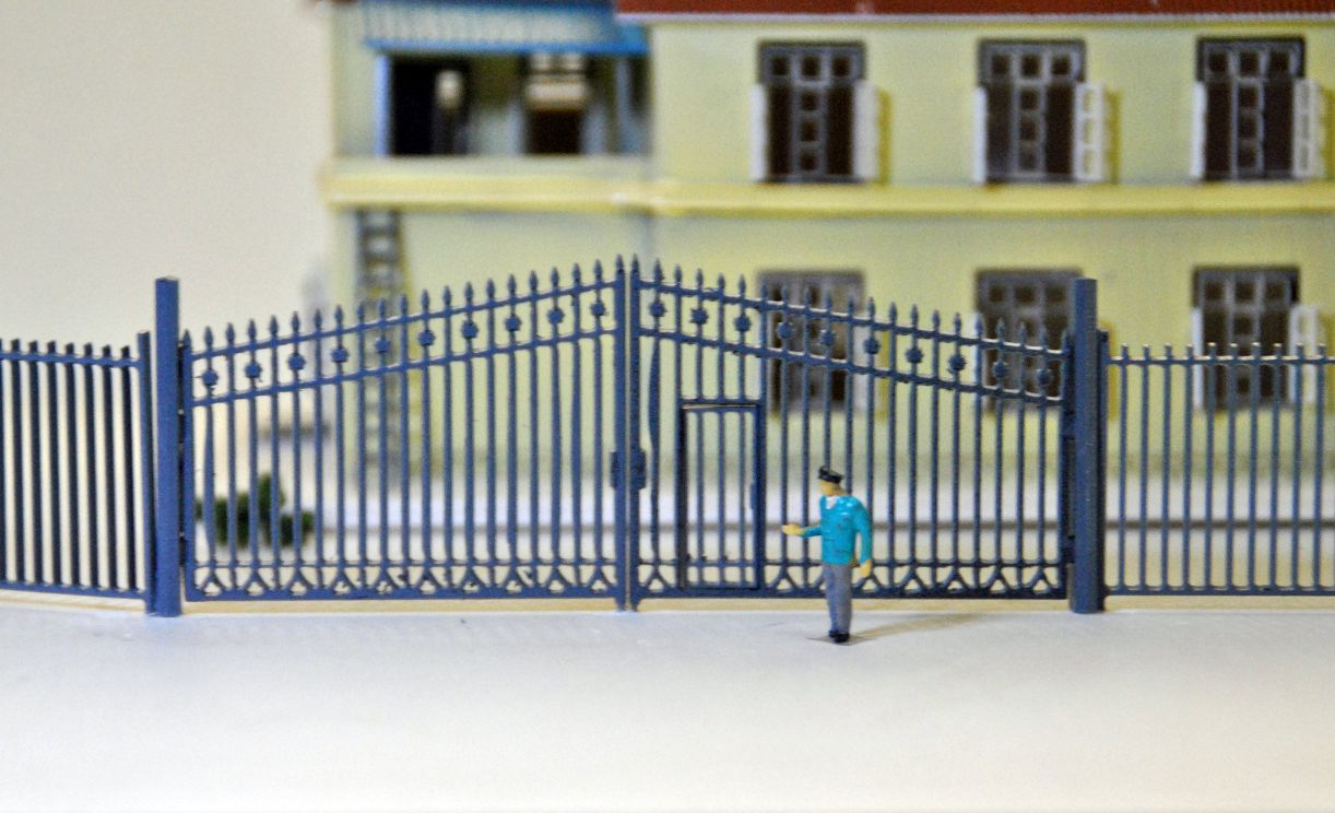 1:150 N Scale train ho scale railway modeling Model Train Railway Building Fence Wall with Door