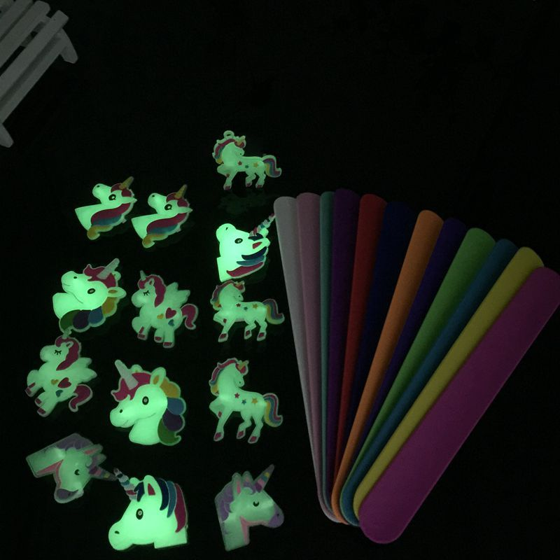 60pcs high quality fashion Jewelry glow in the dark silicone bracelet pat lap cartoon unicorn wristband best kid's gift