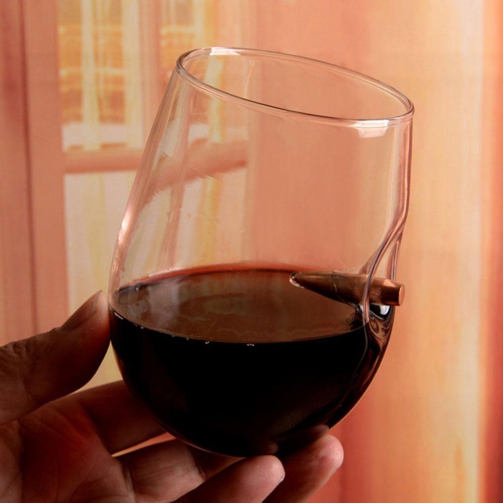 фото бокала вина в руке немного скучаю своему
