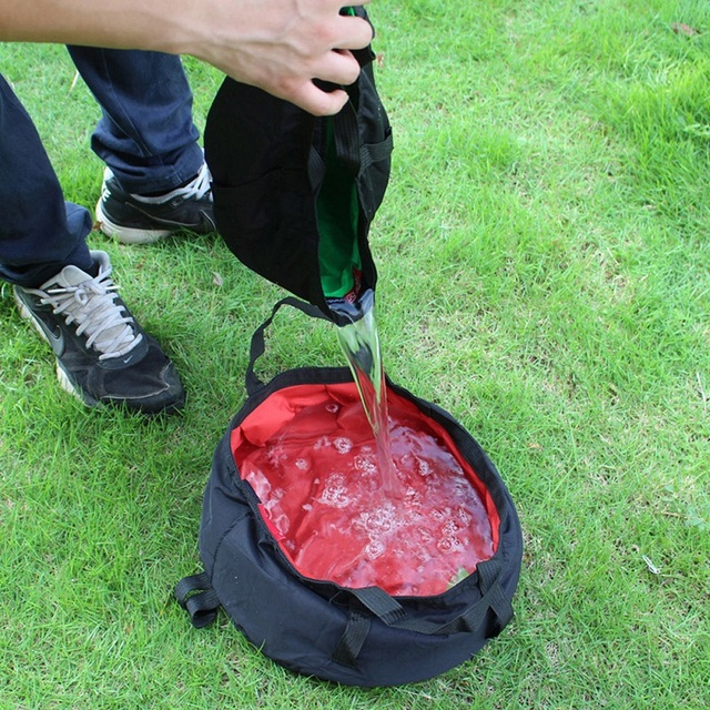 8.5L Portable Ultra-light Folding Water Bucket. Great for hiking, camping and outdoor survival.
