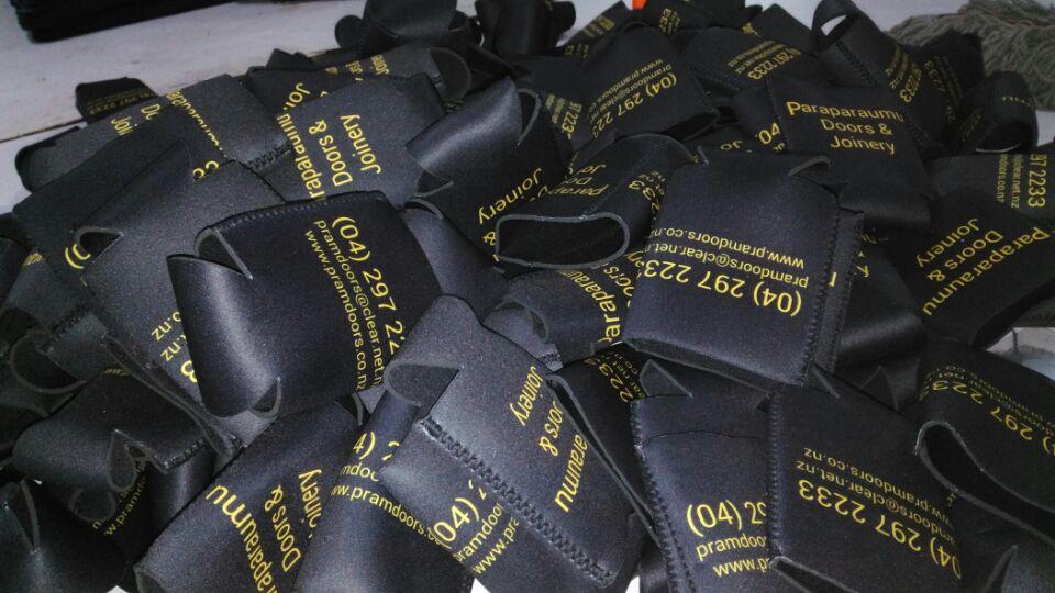 Tronqué Gratuite Titulaires Imprimé Livraison Pour En zélande Néoprène Vente Gros Nouveau La Personnalisé Nouvelle À Pliable qRXxAdp7