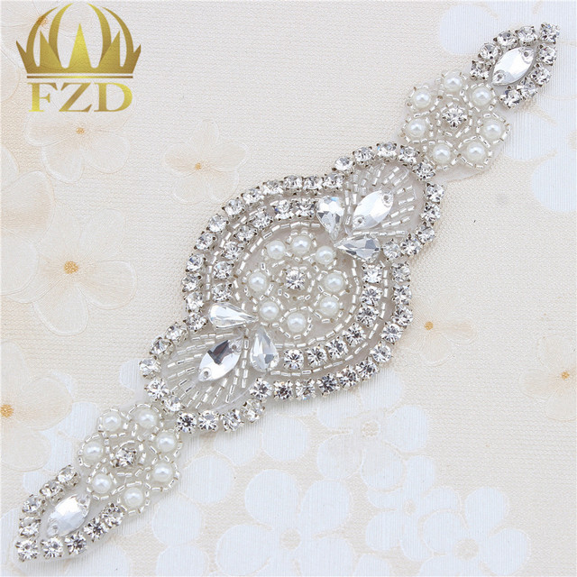 (1piece)Handmade Beaded Hot Fix Sliver Crystal Bling Sew On Bridal Wedding Rhinestone Applique Patch for Dresses DIY Belt Garter