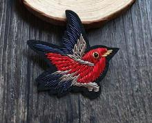 Bird Silk Emboridered Patch Brooch India Silk Wire Handmade Embroidered Badge Fabric Patch Fashion Clothing DIY Decoration