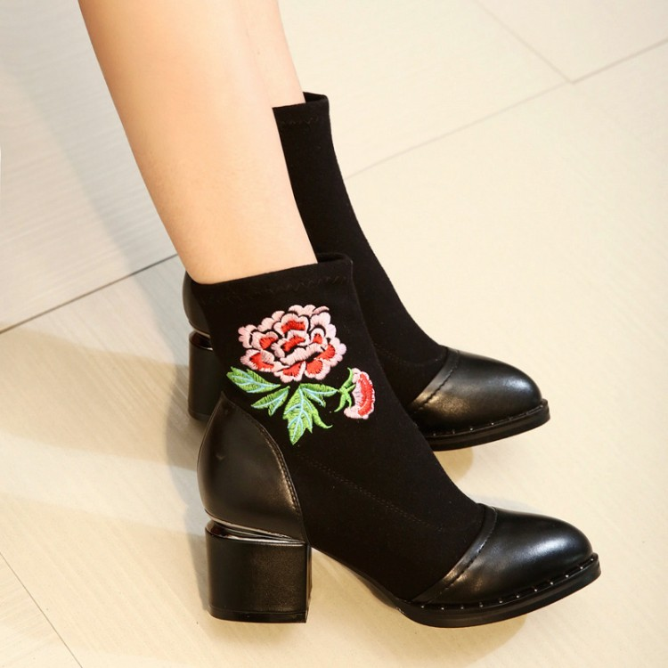 New Fashion European and American Black leather Pointed Toe Embroidery Elastic Short Sock Boots Comfortable for Female 2017 new european and american romantic pop black magazine cool shoes sexy fashion hollow women boots fashion summer boots