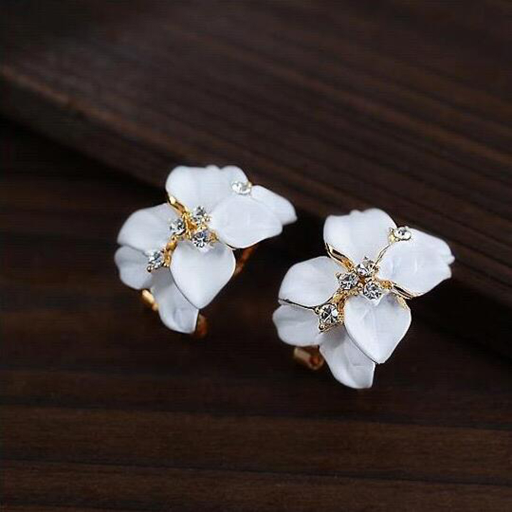 Tomtosh Crystal Gardenia Flower Earring s