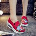 Новый весенний цветок вышивка туфли на платформе женщины клин каблуки женская насосы красный сексуальные женщины ботинки bottine femme