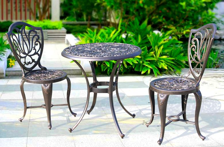 Balcony leisure cast aluminum table and chairs outdoor patio European retro iron table round table and chair combination european leisure tables and chairs fashion leisure sofa chair small coffee table beauty salon to discuss the single chair 3pcs