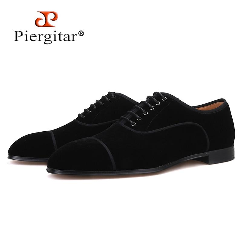 Piergitar 2019 czarne kolory aksamitne buty męskie skórzane wkładki mężczyźni ubierają buty czerwone dno ręcznie robione sznurowane męskie mokasyny plus rozmiary w Męskie nieformalne buty od Buty na  Grupa 1