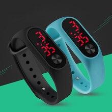 موضة في الهواء الطلق بسيطة الرياضة الأحمر LED الرقمية سوار ساعة الرجال النساء الملونة سيليكون ساعات أطفال الأطفال ساعة اليد هدية
