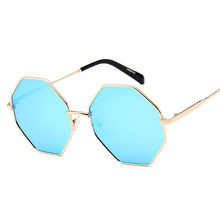 2019 New Polygon Sunglasses Women Men Brand Designer Vintage Sunglasses Gold Clear Sunglasses Sexy Couple Eyewear Small Shades