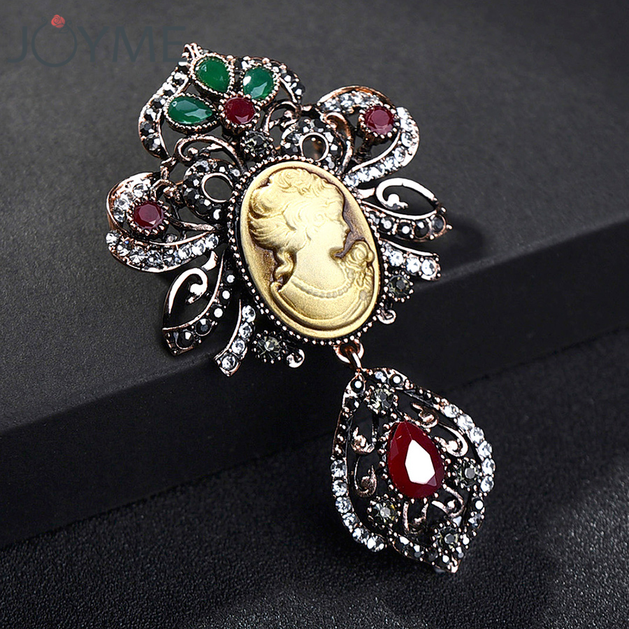 YRUI 1 Pcs Brooch Lovely Brooch Pin Crystal Shoes Design for Wedding Alloy Shawl Clip Lover Brooch Golden