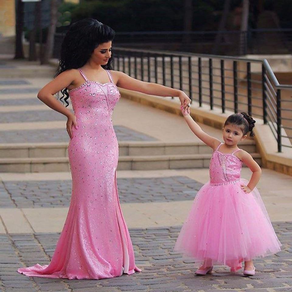 Entrega rápida Pink largo De la madre e hija Vestido De noche tirantes delgados Vestido De