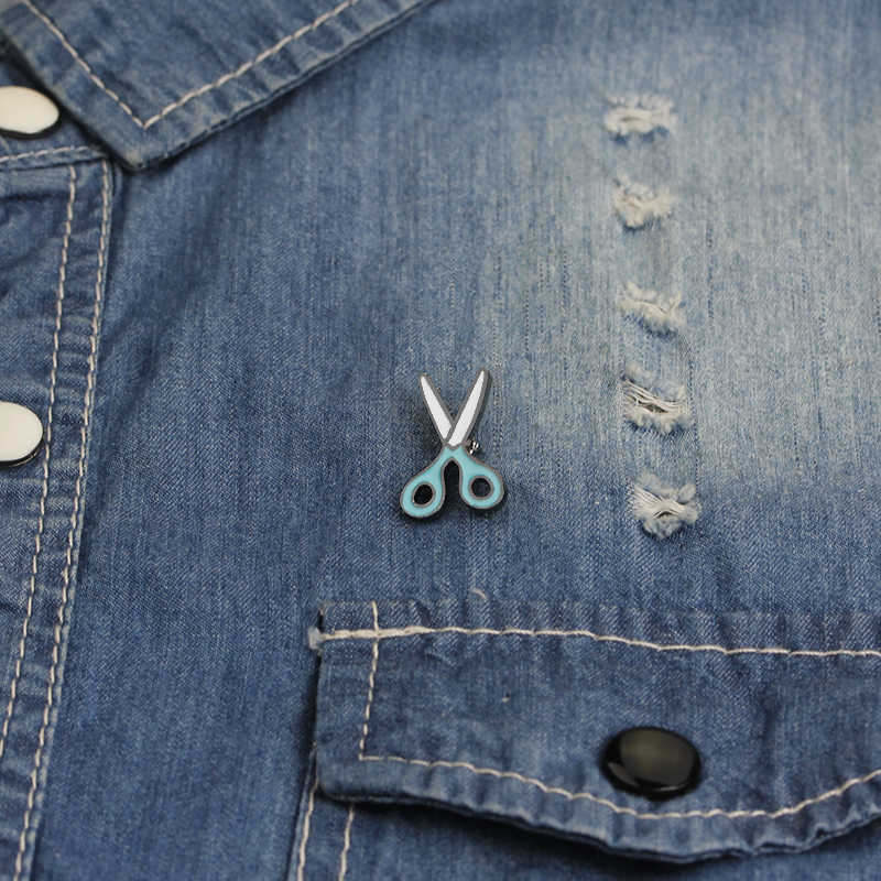 1 PC Mini Gunting Bros Lucu Pakaian Putih Biru Enamel Logam Bros Pin untuk Wanita Ransel Lencana