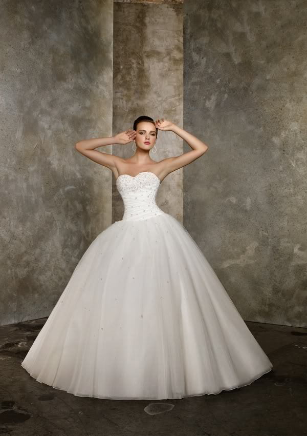 2018 New Arrival Fashion Formal Sweetheart Organza Beads Princess Bridal Gown Chapel Train Mother Of The Bride Dresses