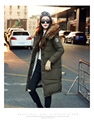 El envío libre 2016 nuevas Mujeres de Invierno capa delgada con un sombrero de piel de mapache cuello de piel Gruesa chaqueta de algodón caliente chaqueta grande de algodón