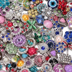 Image 1 - Wholesale 50pcs/lot Amazing Styles Rhinestone/Opal/Natural Stone Metal Buttons 18mm snap button Jewelry for Snap Jewelry
