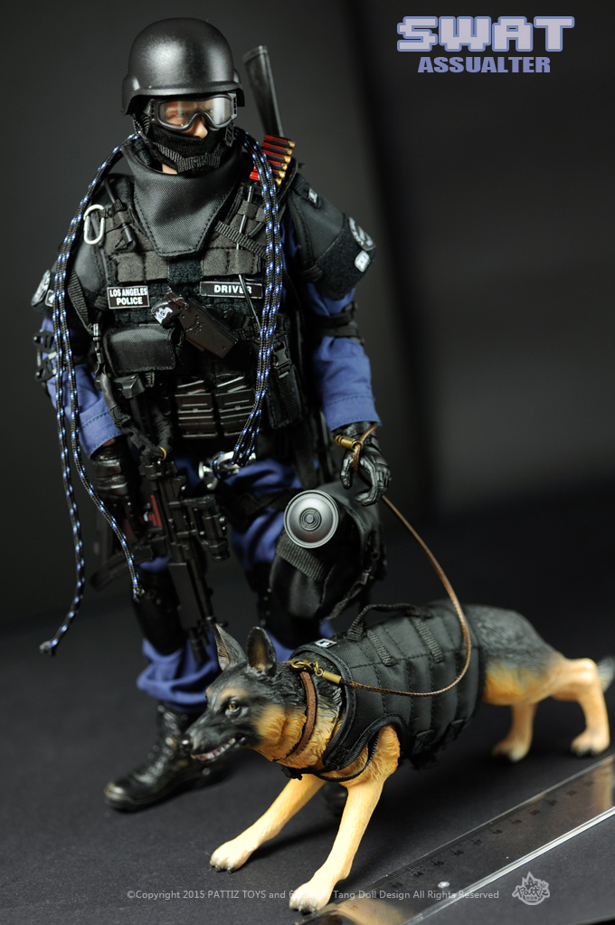 PATTIZ 12 inch  Figure soldiers 1:6 model SWAT troops soldier(with dog) High 30cm collection model toy Free shipping NX02