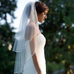 Doppel Schicht Frauen Unregelmäßigen Länge Hochzeit Schleier 2 Tier Plain Einfarbig Faltete Drape Weiche Tulle Kurze Braut Schleier Mit kamm