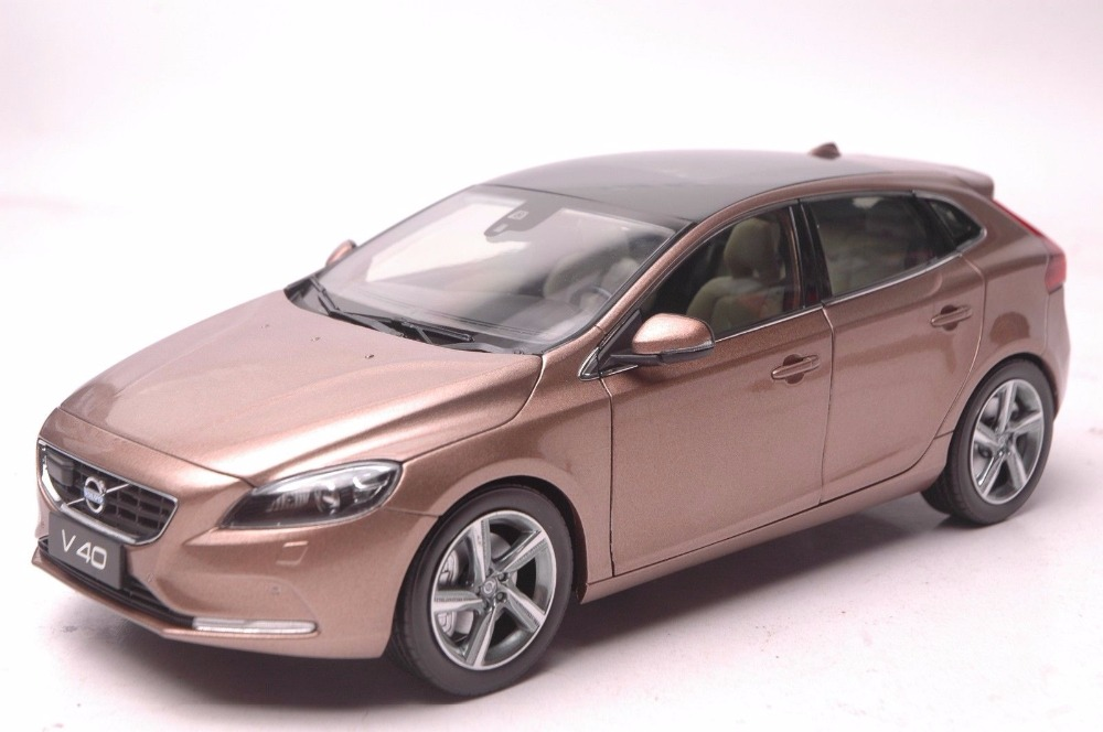 1:18 Diecast Model for Volvo V40 2016 Brown SUV Alloy Toy Car Miniature Collection Gifts XC 90 1 18 diecast model for volkswagen vw all new touran l 2016 brown mpv alloy toy car miniature collection gifts