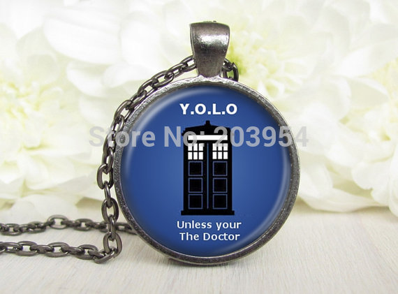 Steampunk movie doctor who 1pcs/lot yolo box Necklace bronze silver Glass handmade Pendant jewelry for womens mens xmas 2016 man image