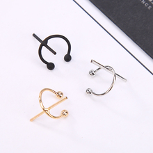 Geometric shape fashion clip earring