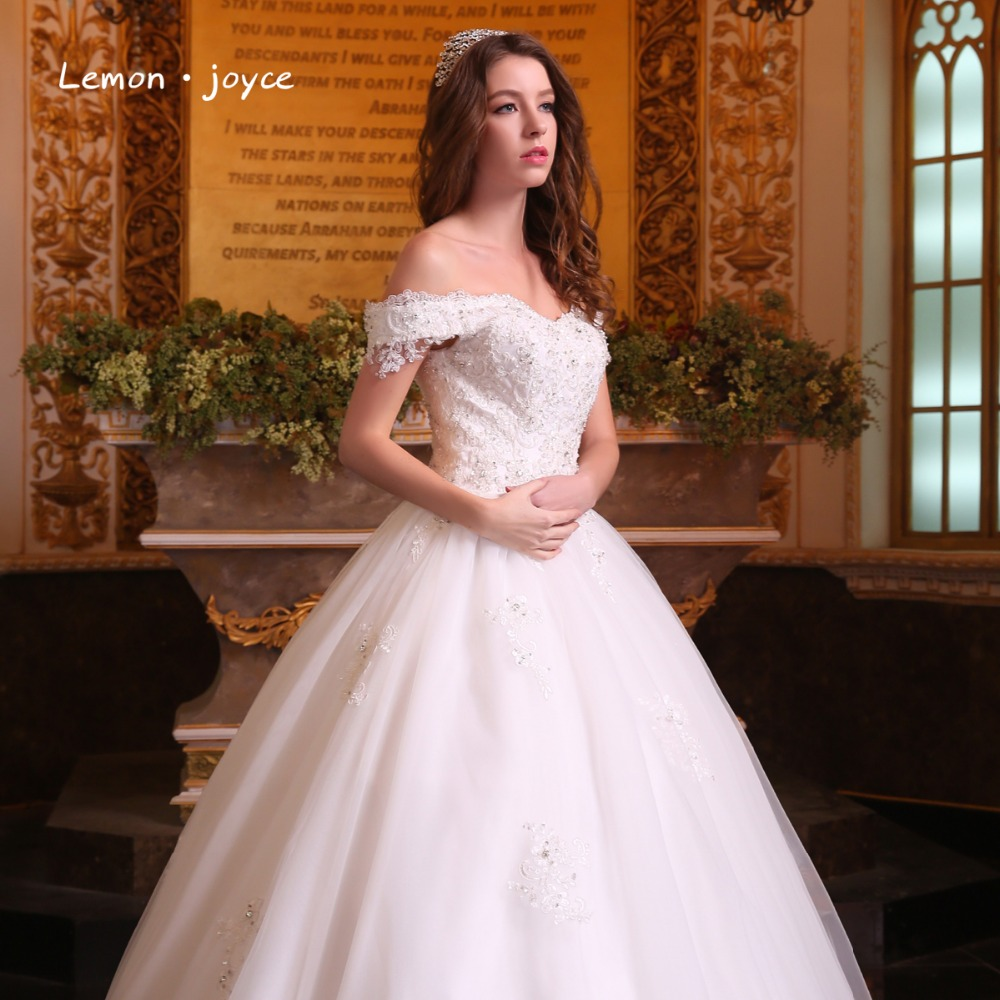 Gorgeous Ball Gowns Wedding Dresses 2018 Boat Neck Puffy Lace Beaded ...