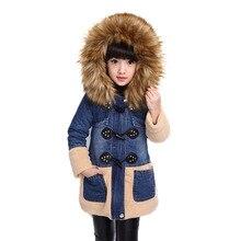 Детские пальто зимняя одежда для девочек модель 2016 года джинсовые длинные куртки утепленная хлопковая куртка с меховой опушкой на капюшоне стеганая куртка пальто для девочек от 5 до 11 лет