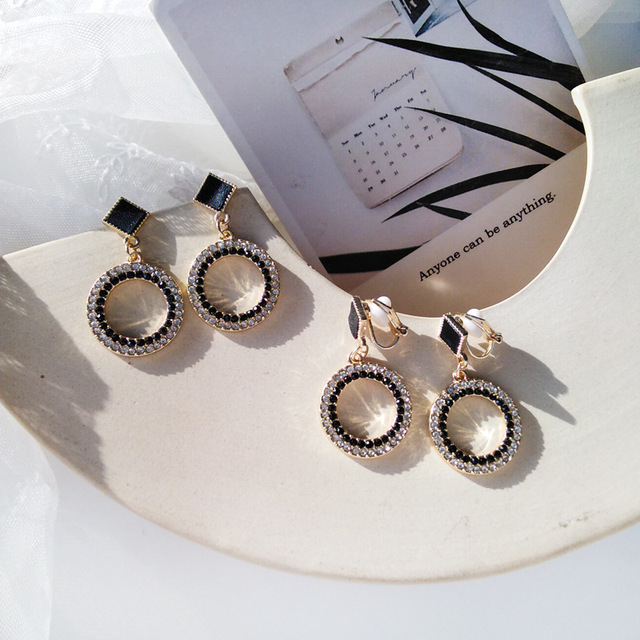Black Crystal Metal Round Clip Earring NO Pierced With Stone White Rhinestone Elegant Clip on Earrings Without Piercing Ear Hole 3