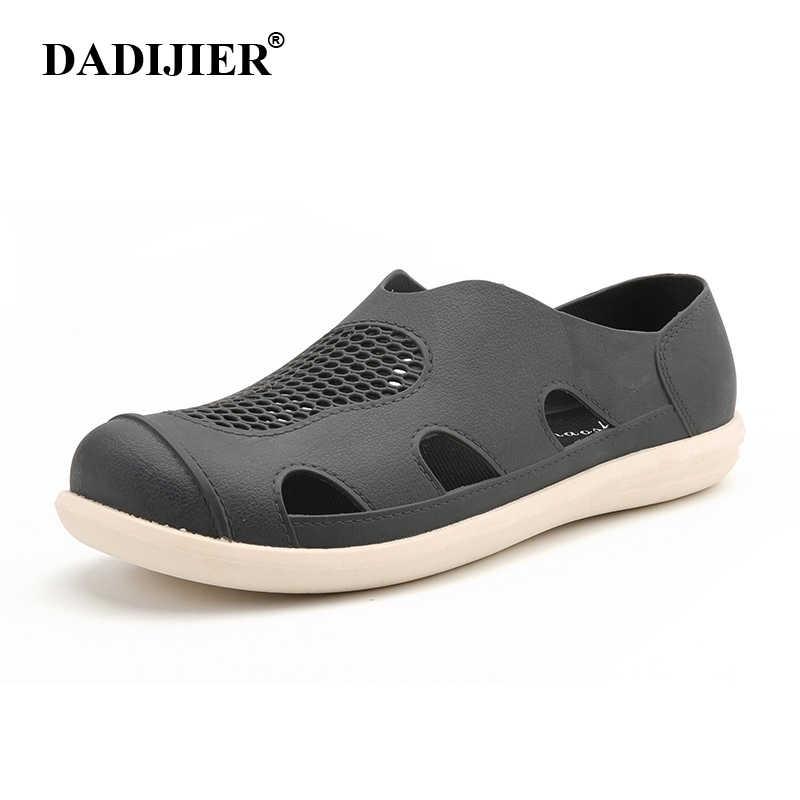 DADIJIER 2018 sandalias de hombre de verano de moda fresca Casual de alta calidad suaves zapatos de playa Sandalias planas de agujero de Axoid nido ST273