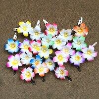 Beso feliz 50 unids color mezclado espuma hawaiana del Plumeria Frangipani flor nupcial del pelo clip 4 cm folower boda del partido regalo