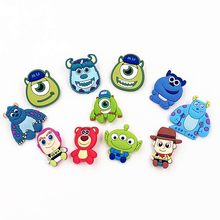 13 Pz set Buzz Woody Bear Toy story Movie carattere stile cartoon PVC  distintivi Perni di vestiti Per Bambini di sicurezza spill. 2bcae02ccfe