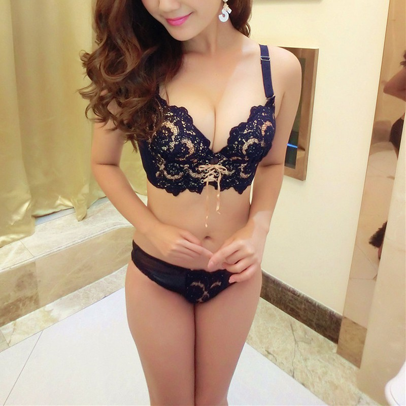 2018 Fashion Women Embroidery Bras and Underwear Sets Push Up Bra Set Lace Underwear Adjustable Sexy Lingerie Set S4