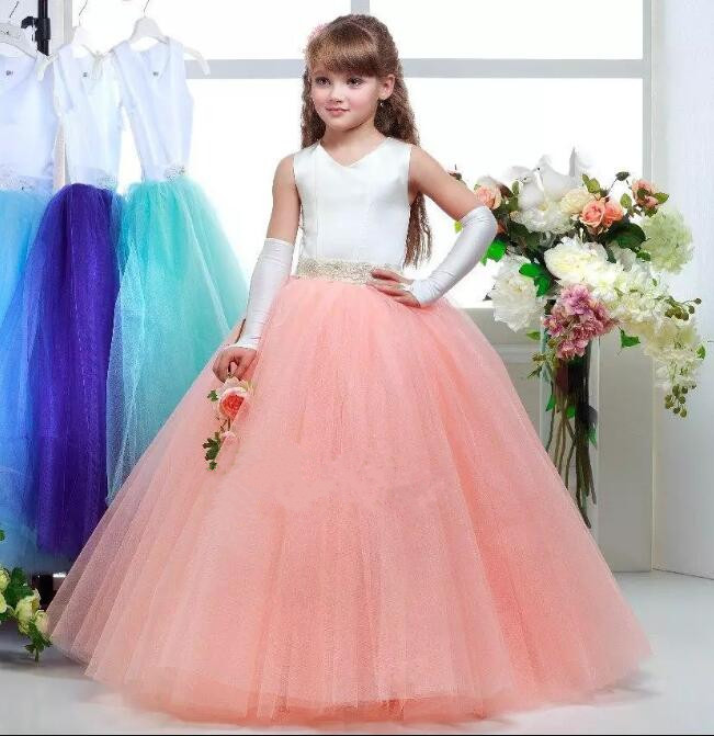 New Ivory Top Puffy Tulle Flower Girl Dresses V Neck with Beaded Sash Girls Pageant Dress First Communion Dress new white ivory flower girl dresses for wedding 3d flowers puffy tulle with big bow girls first communion gowns