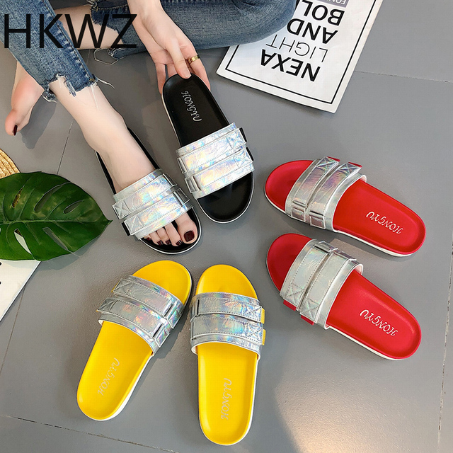 Summer brand new flat-bottom casual bright sequins ladies slippers beach wear thick bottom wild word drag comfortable sandals