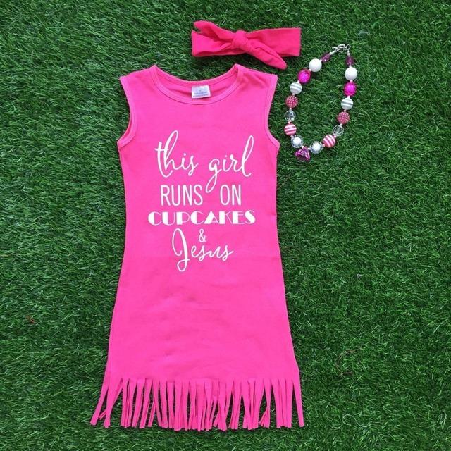 2016 verano de las muchachas 1 - 9 t disponible bebé niños caliente de color rosa borlas jesús vestido con diadema a juego y el sistema del collar