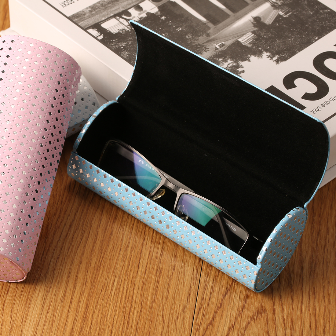 Top Sell Hard Glasses Case Eyeglasses Case For Women Iron Sheet Optical Bag Myopia Box Oval Magnet Eye Reading Handmade Box