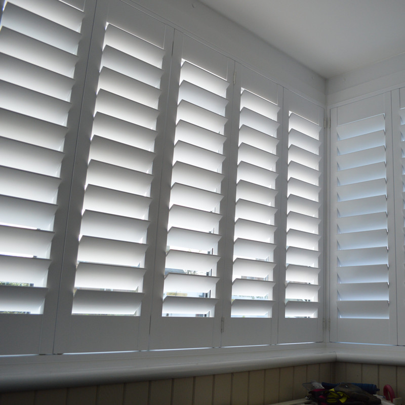 Direct European Style Wooden Blinds Perforation Free
