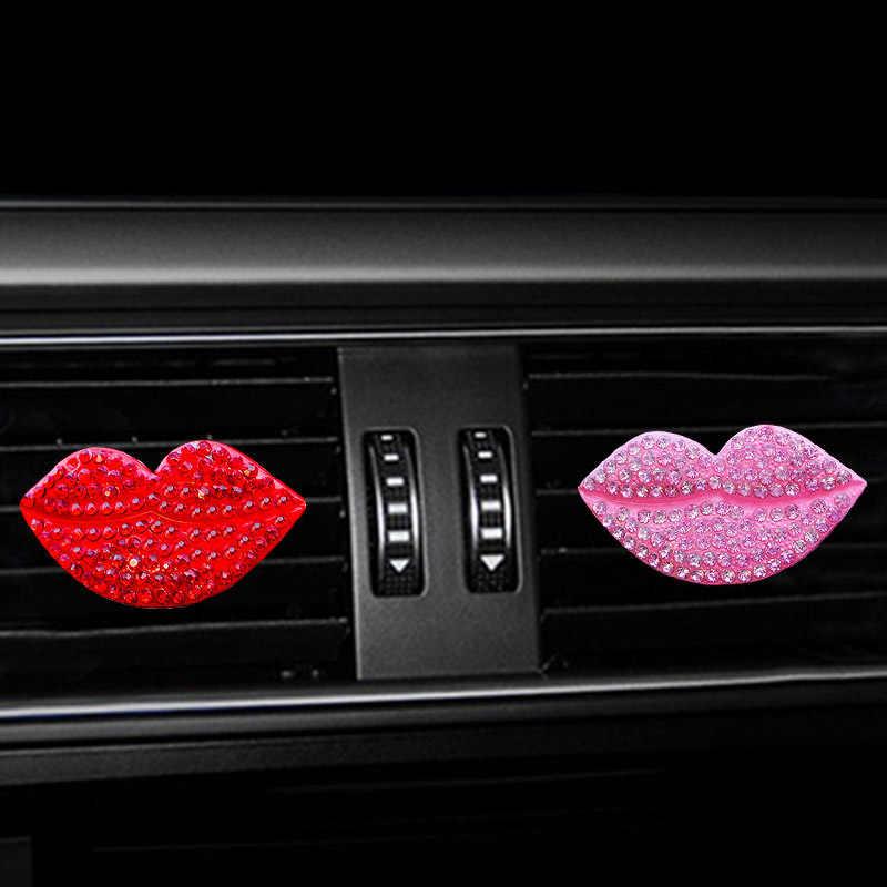 Hava çıkış parfüm klip çivili kırmızı ağız araba parfüm klip sevimli araba katı süslemeleri kızlar için araba süsleme