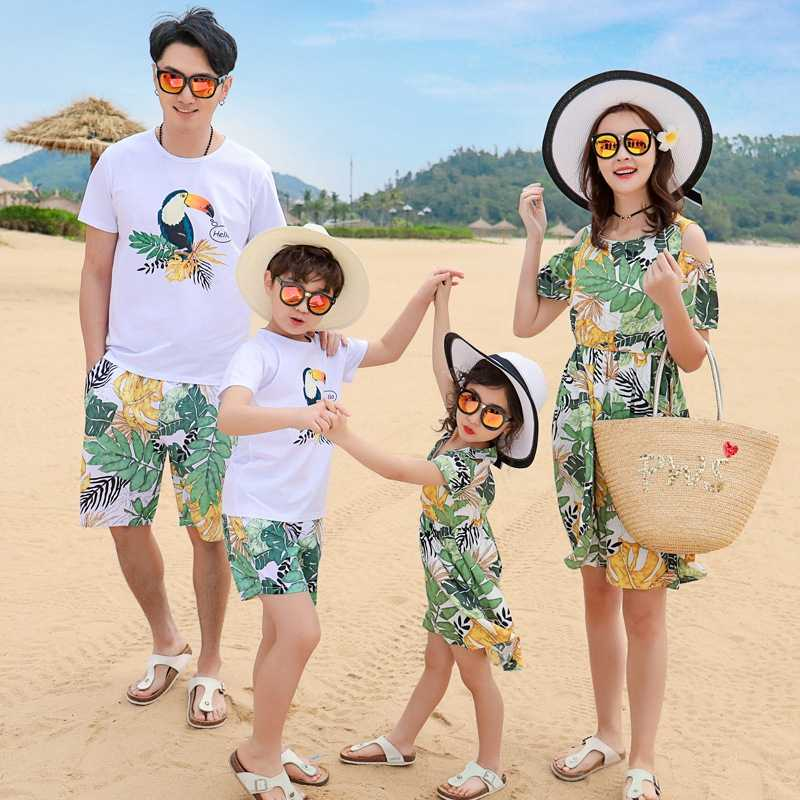9e4372d987 Family Matching Outfits Mother Daughter Beach Vocation Leaves Birds Dresses  Summer Dad Son T-shirt