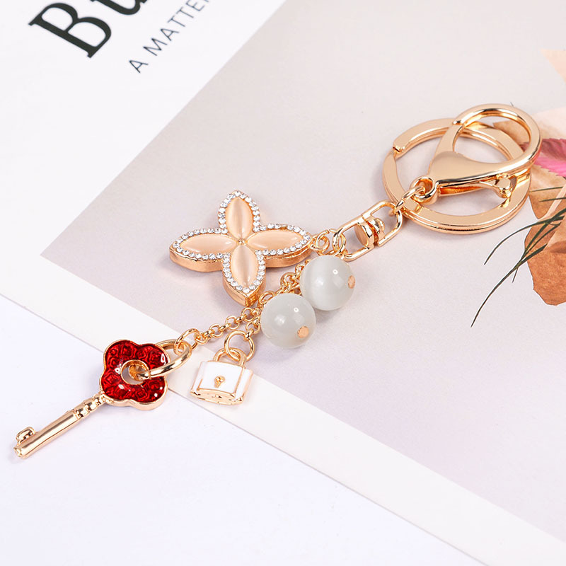 New Crystal Key Chain Rhinestone Clover Car Keyrings Female Creative Cute Flower Bag Pendant Key Rings Keychain