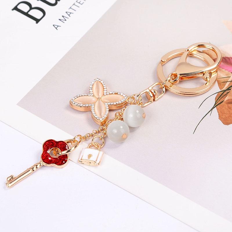 New Crystal Key Chain Rhinestone Clover Car Keyrings Female Creative Cute Flower Bag Pendant Key Rings Keychain