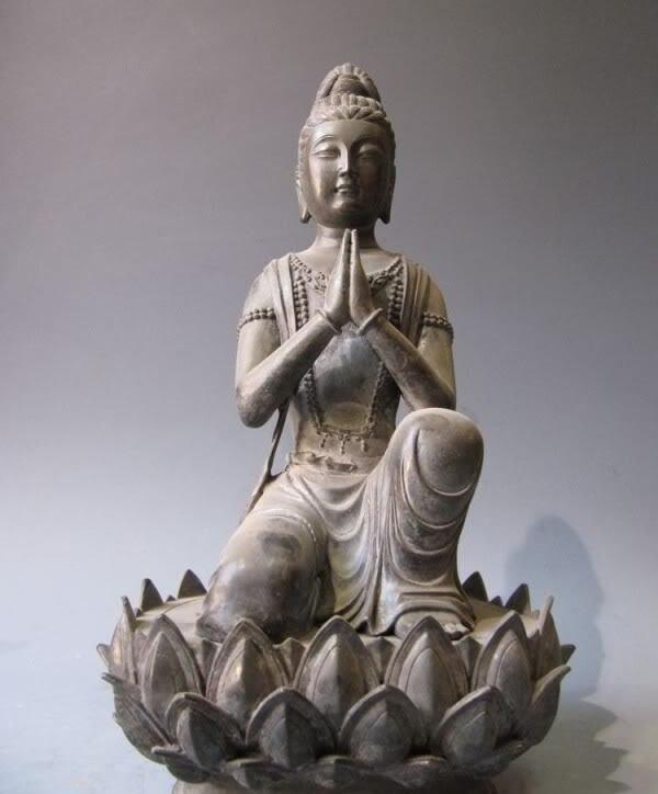 16Tibet Pure bronze ancient kneeler Bodhisattva Kwan-Yin Statue on lotus flower16Tibet Pure bronze ancient kneeler Bodhisattva Kwan-Yin Statue on lotus flower