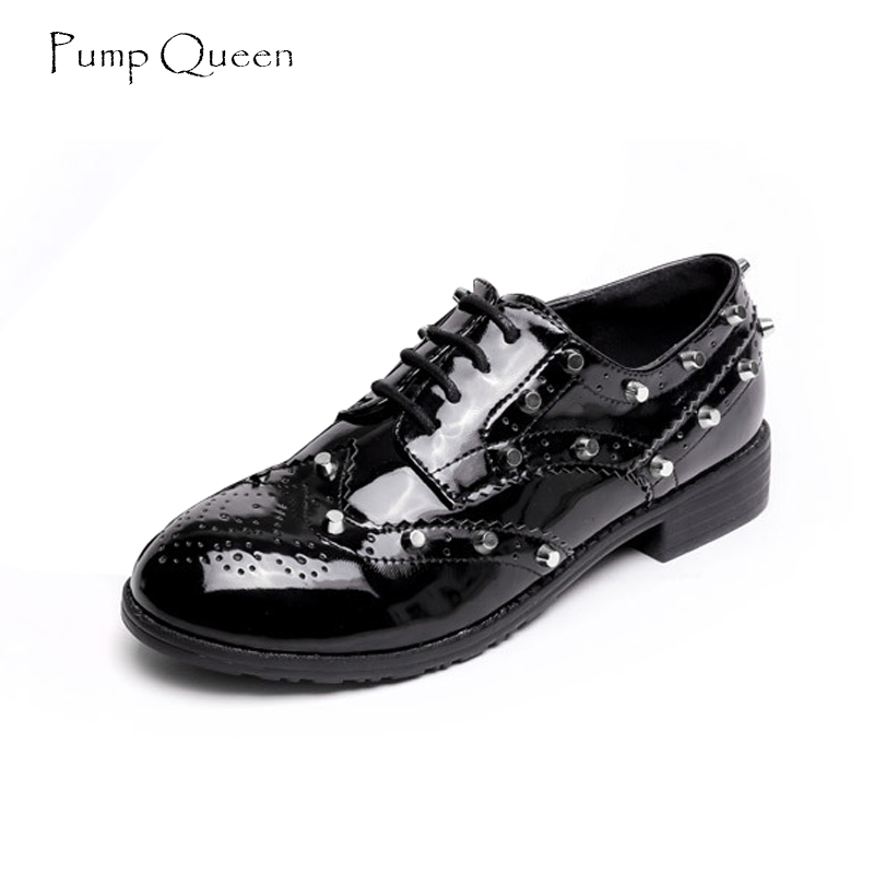 PumpQueen Brogue Women Shoes Flats Spring Rivet Shoes Woman Black Patent Leather Female Footwear Lace Up Casual Zapatos Mujer autumn brogue shoes woman casual oxford flats shoes lace up moccasins plus size women ballet flats zapatos mujer british style