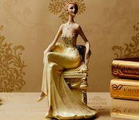 Resina Europa sentado señora bonita artesanía 25x13 cm adornos, muebles para el hogar sala de estar decoración regalo de cumpleaños a2400