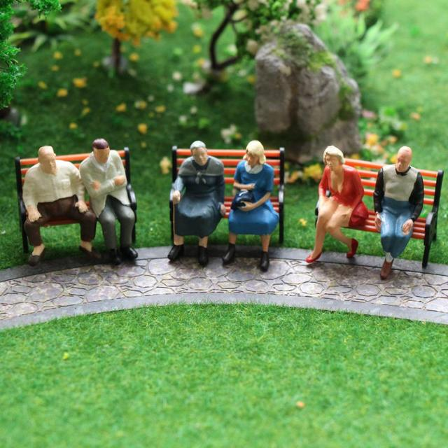 P4804 24 pcs All Seated Figures O scale 1:48 Painted People Model Railway NEW 5