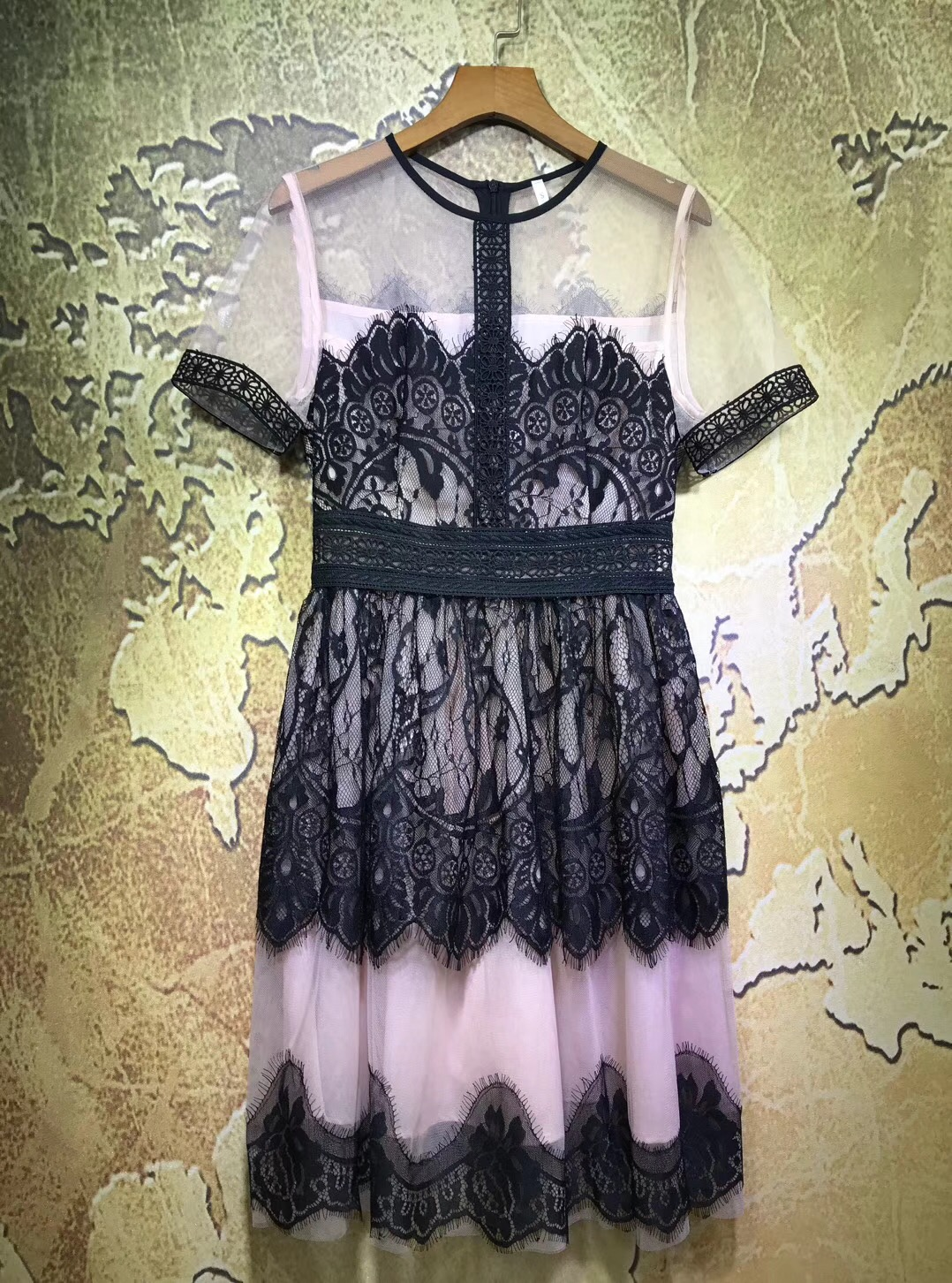 Free Shipping 2018 New Arrival Summer Dresses For Women O-Neck Short Sleeve Net Cloth Lace High Waist Women Dress